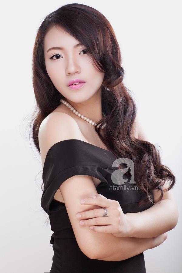 Học phong cách trang điểm môi hồng, lông mày nâu của Yoon Eun Hye 6
