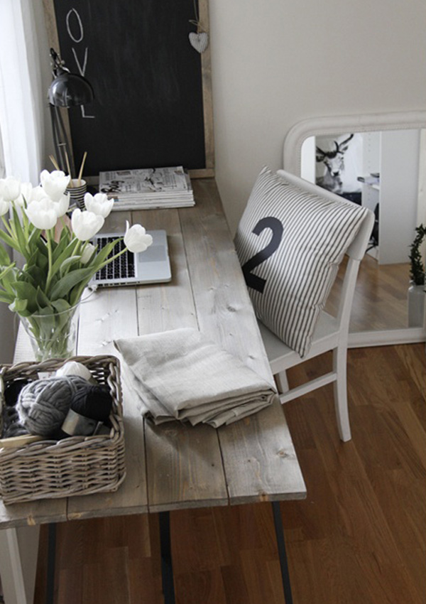 Thêm cảm hứng sáng tạo với bàn làm việc duyên dáng từ gỗ cũ 6