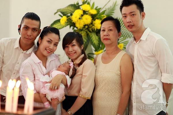 Độc quyền: Lễ rửa tội cho con gái Ốc Thanh Vân 3