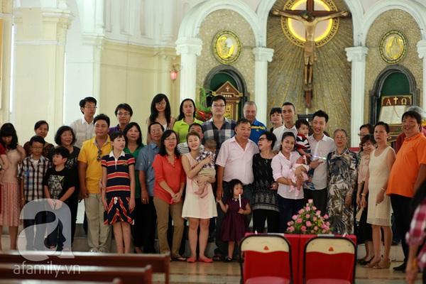Độc quyền: Lễ rửa tội cho con gái Ốc Thanh Vân 5