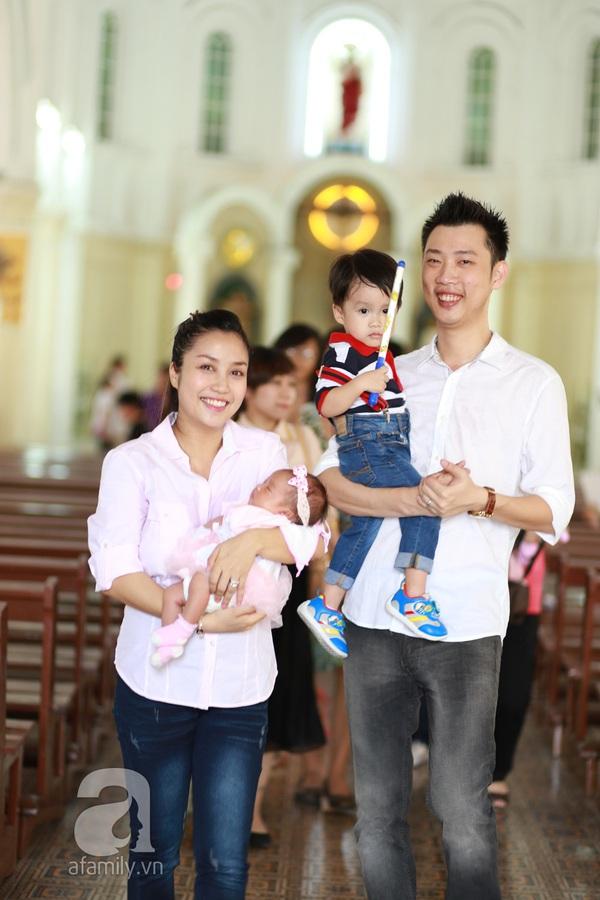 Độc quyền: Lễ rửa tội cho con gái Ốc Thanh Vân 6