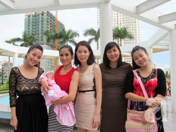 Độc quyền: Lễ rửa tội cho con gái Ốc Thanh Vân 10