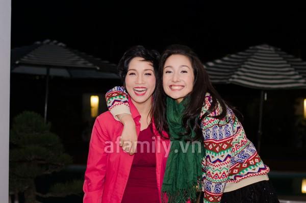 Anna Trương tình cảm bên mẹ Mỹ Linh 3