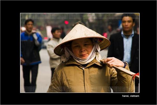 Phụ nữ Việt Nam trong mắt người nước ngoài 9