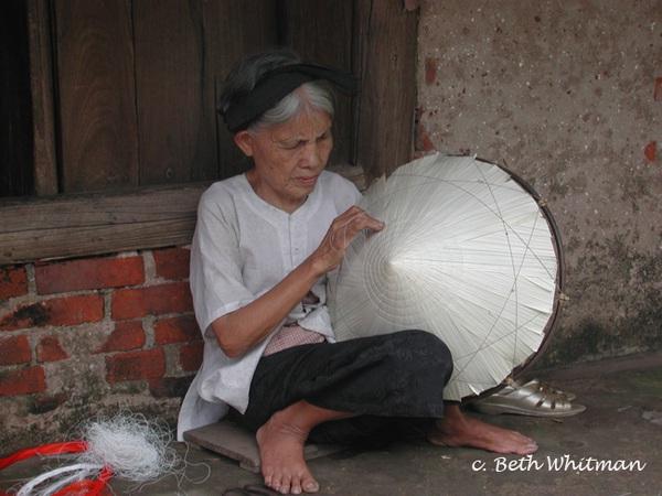 Phụ nữ Việt Nam trong mắt người nước ngoài 14