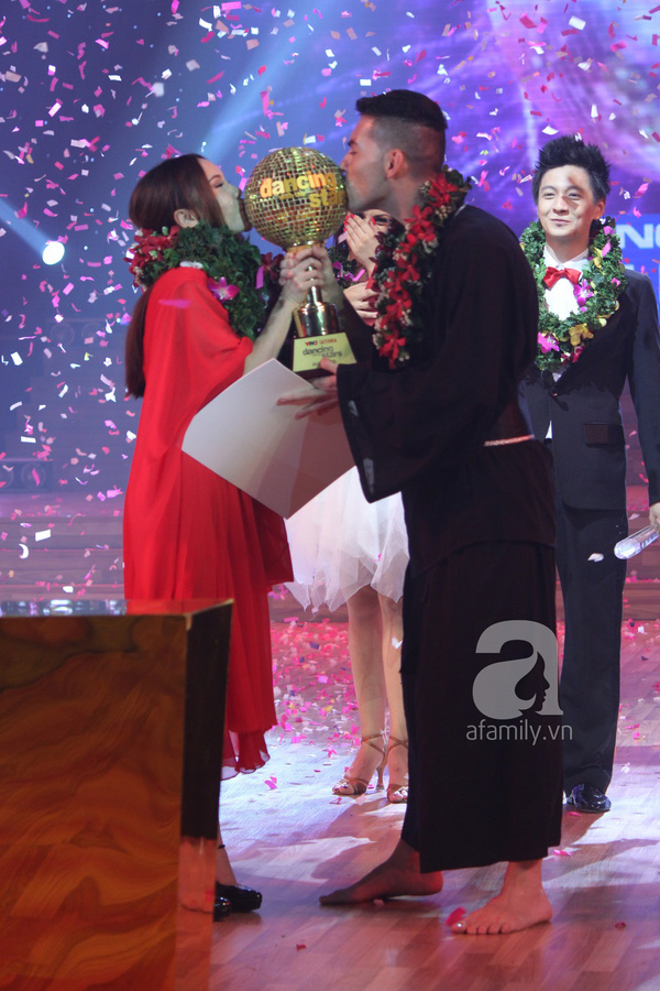 Yến Trang đăng quang Bước nhảy Hoàn Vũ 2013 1