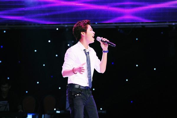 """Giọng hát Việt 2013 xuất hiện """"Bùi Anh Tuấn thứ hai"""" 2"""