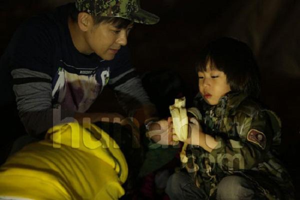 Những khoảnh khắc cực đáng yêu của con trai Lâm Chí Dĩnh 3