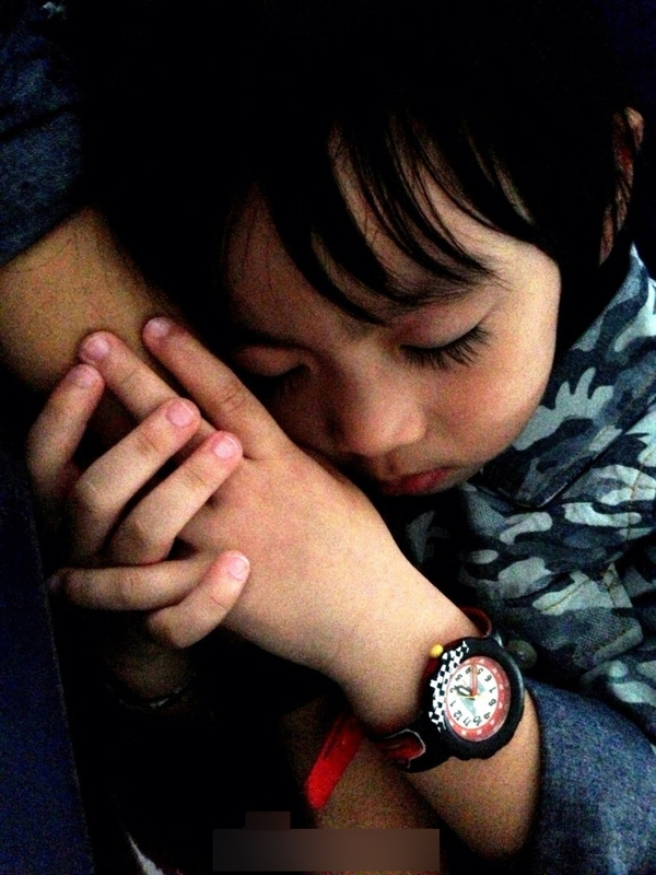 Những khoảnh khắc cực đáng yêu của con trai Lâm Chí Dĩnh 25