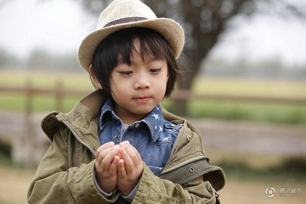 Những khoảnh khắc cực đáng yêu của con trai Lâm Chí Dĩnh 24