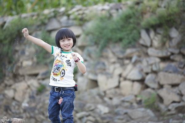 Những khoảnh khắc cực đáng yêu của con trai Lâm Chí Dĩnh 5