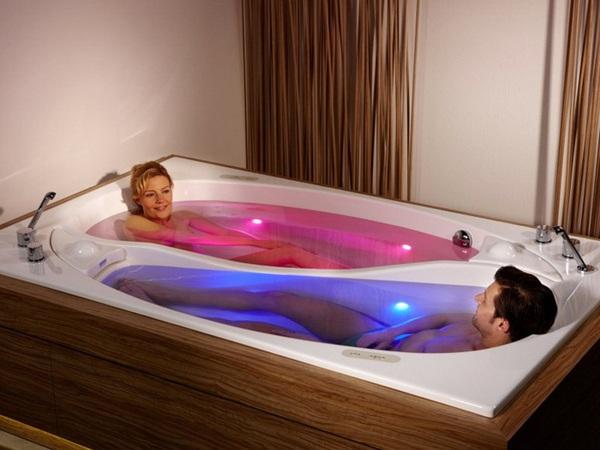 Bồn tắm uyên ương – món nội thất nhà tắm lãng mạn cho cặp đôi 1
