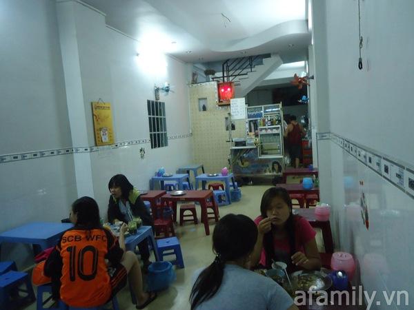 Sài Gòn: Đi ăn phá lấu bò chén sứt ở Tôn Đản  1