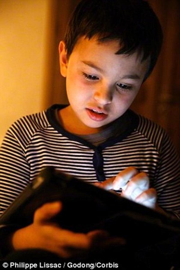 Gợi ý giúp mẹ cùng bé tìm hiểu kênh Youtube Kids dành riêng cho trẻ em 3
