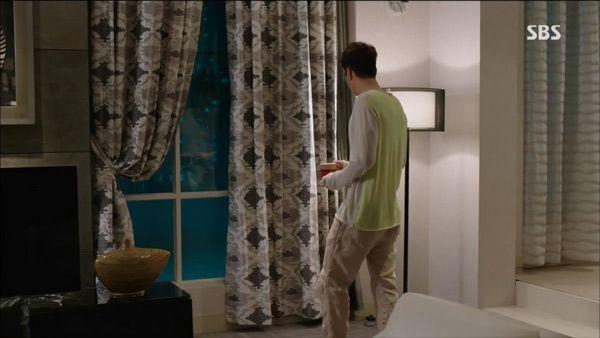 """""""Mổ xẻ"""" không gian sống của nam chính trong """"Mặt trời của chàng Joo"""" 11"""