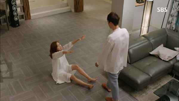 """""""Mổ xẻ"""" không gian sống của nam chính trong """"Mặt trời của chàng Joo"""" 9"""