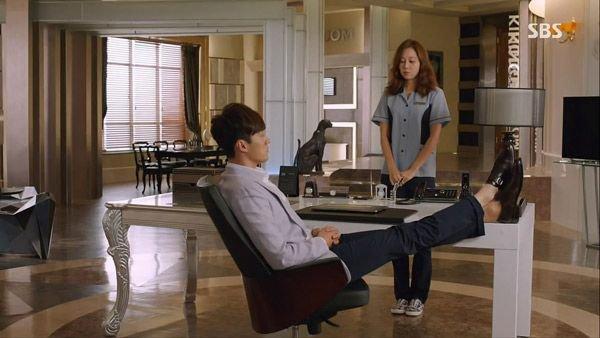 """""""Mổ xẻ"""" không gian sống của nam chính trong """"Mặt trời của chàng Joo"""" 13"""
