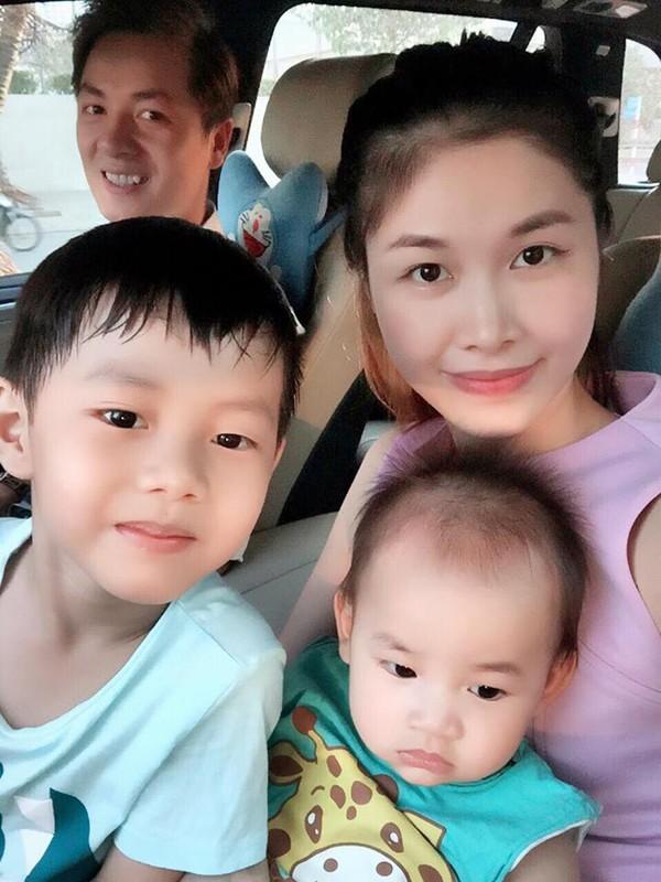 Bà xã Đăng Khôi khoe ảnh gia đình hạnh phúc khiến