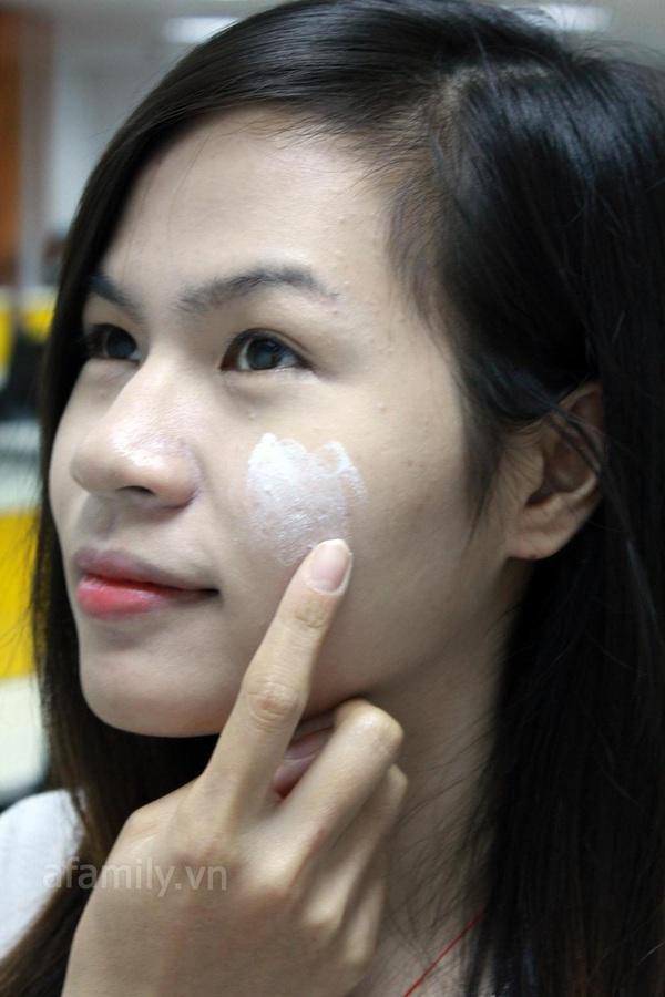 Pond's flawless white giúp da ẩm mịn 11