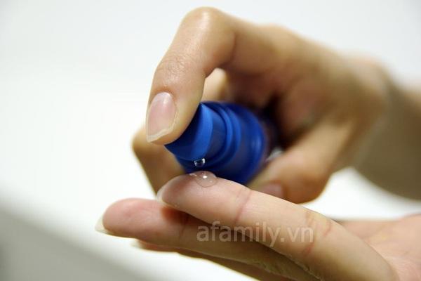 Gel trị mụn Pure skin Spot treatment 8