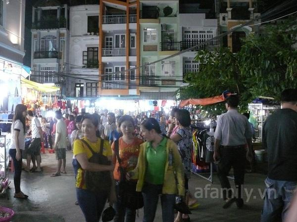 TPHCM: Chợ đêm Hạnh Thông Tây  2