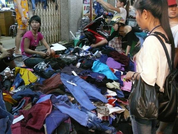 TPHCM: Chợ đêm Hạnh Thông Tây  12