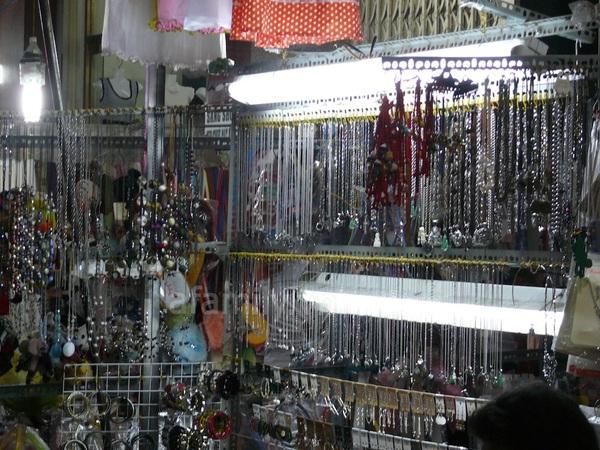 TPHCM: Chợ đêm Hạnh Thông Tây  4
