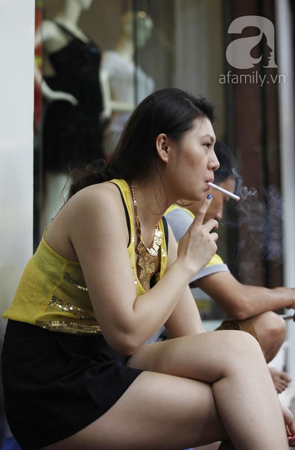 http://afamilycdn.com/k:thumb_w/600/vccccccccccccZjB8YmlKbNA5ZNIuC/Image/2013/05/_MG_1959-d1ffd/nhuc-nhoi-khoi-thuoc-la-van-bay-tai-nhung-noi-cam-hut-.jpg
