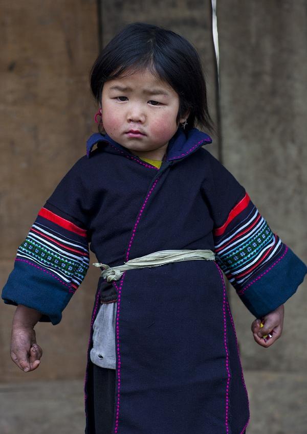 Em bé H'Mông đẹp trong veo dưới ống kính nhiếp ảnh gia nước ngoài 7