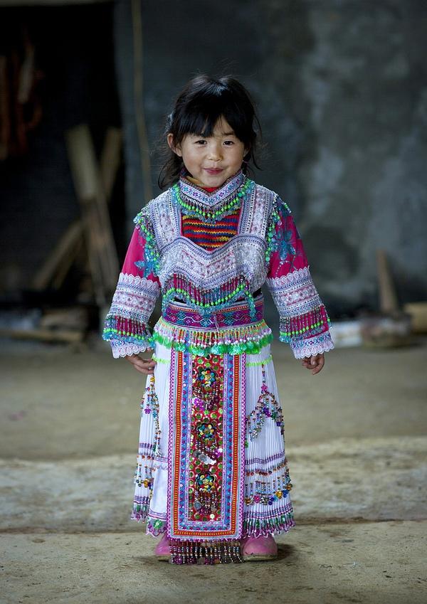 Em bé H'Mông đẹp trong veo dưới ống kính nhiếp ảnh gia nước ngoài 8