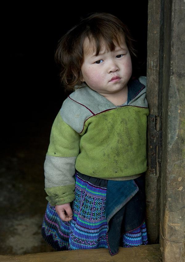 Em bé H'Mông đẹp trong veo dưới ống kính nhiếp ảnh gia nước ngoài 9
