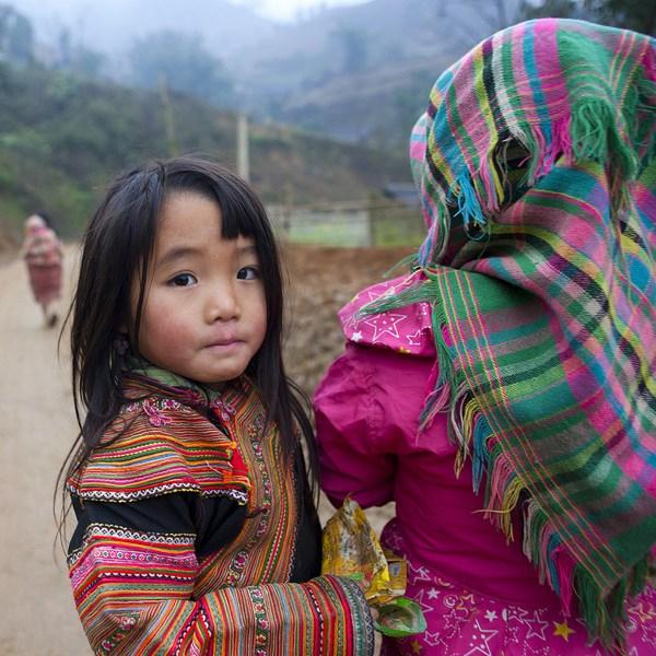 Em bé H'Mông đẹp trong veo dưới ống kính nhiếp ảnh gia nước ngoài 11