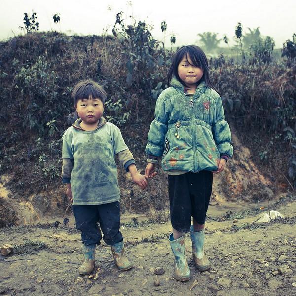 Em bé H'Mông đẹp trong veo dưới ống kính nhiếp ảnh gia nước ngoài 12