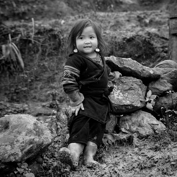 Em bé H'Mông đẹp trong veo dưới ống kính nhiếp ảnh gia nước ngoài 16