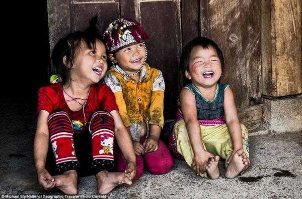 Em bé H'Mông đẹp trong veo dưới ống kính nhiếp ảnh gia nước ngoài 1