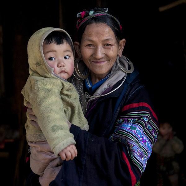 Em bé H'Mông đẹp trong veo dưới ống kính nhiếp ảnh gia nước ngoài 17