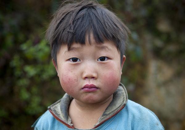 Em bé H'Mông đẹp trong veo dưới ống kính nhiếp ảnh gia nước ngoài 4