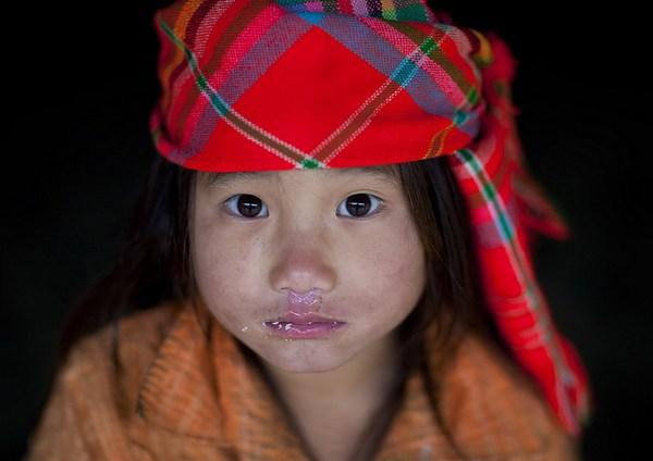 Em bé H'Mông đẹp trong veo dưới ống kính nhiếp ảnh gia nước ngoài 18