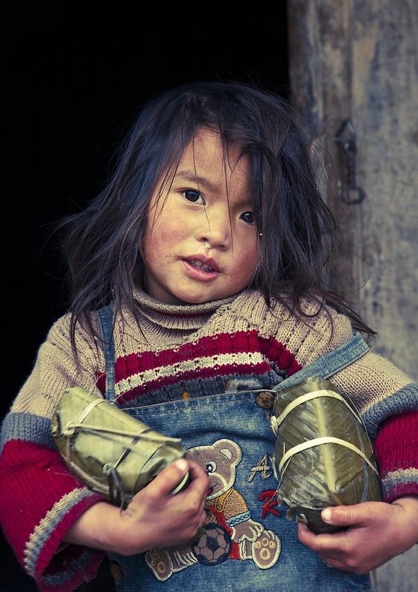 Em bé H'Mông đẹp trong veo dưới ống kính nhiếp ảnh gia nước ngoài 19