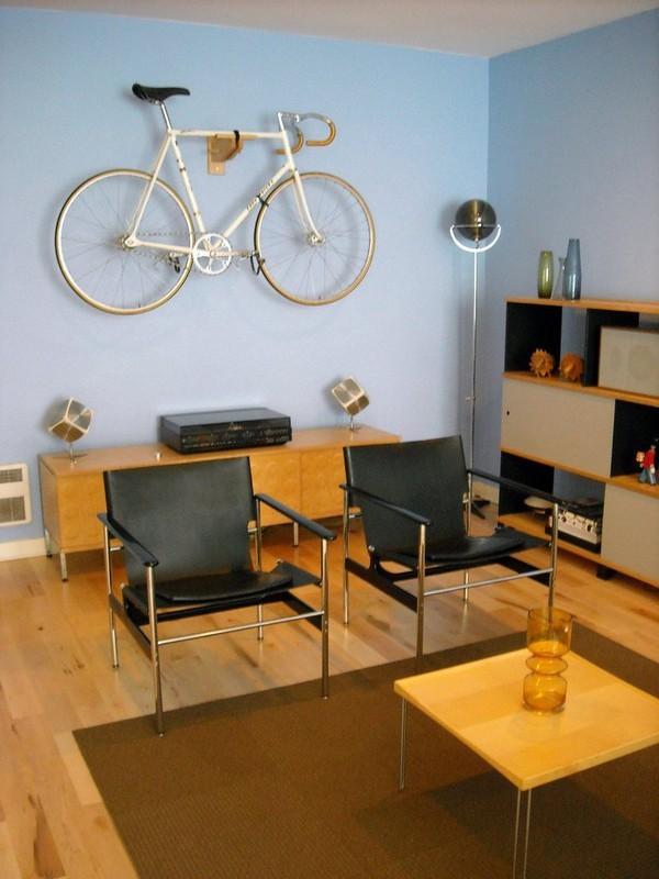Độc đáo muôn kiểu trang trí nhà bằng... xe đạp 10