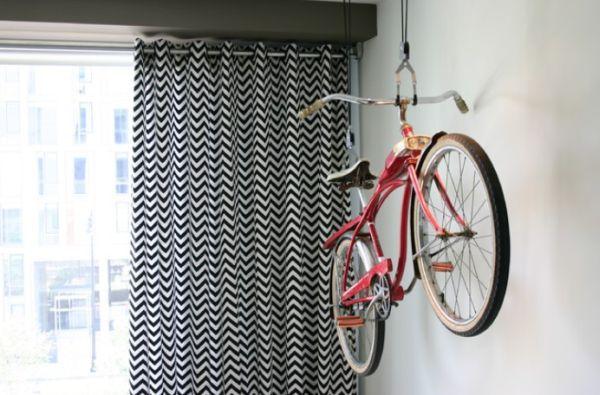 Độc đáo muôn kiểu trang trí nhà bằng... xe đạp 6