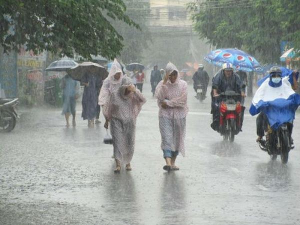 bệnh mùa mưa bão
