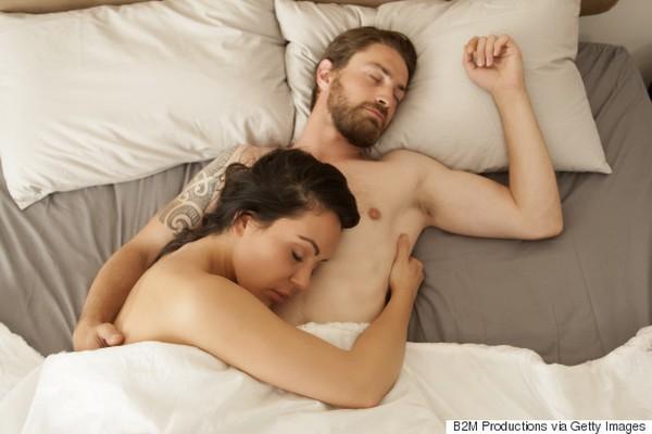 ngủ nude tăng cơ hội thụ thai