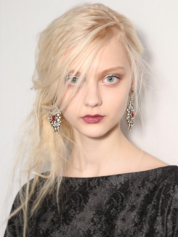 7 kiểu tóc búi/cột bạn nên thử cho mùa Hè 2013 4