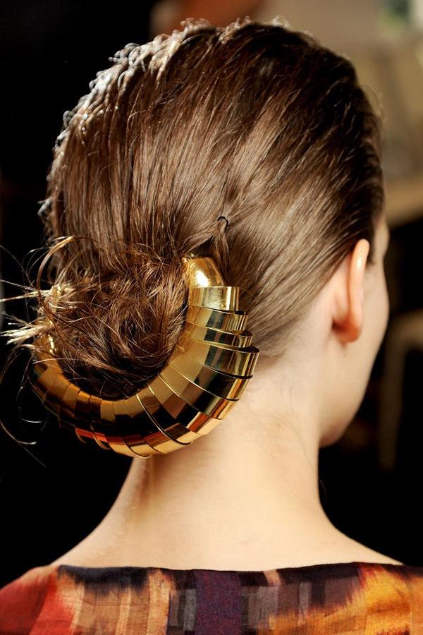 7 kiểu tóc búi/cột bạn nên thử cho mùa Hè 2013 23