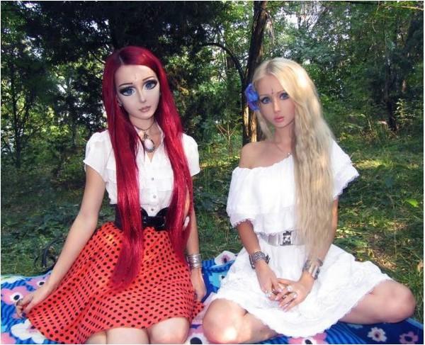 3 cô gái xinh đẹp giống hệt búp bê 14