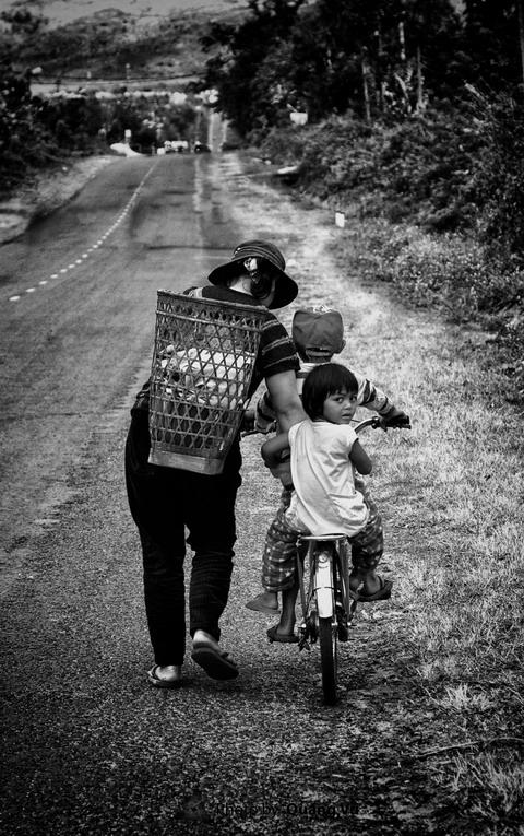 Những hình ảnh về mẹ làm rung động hàng vạn trái tim 9