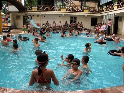 tránh nhiễm bệnh khi đi bơi