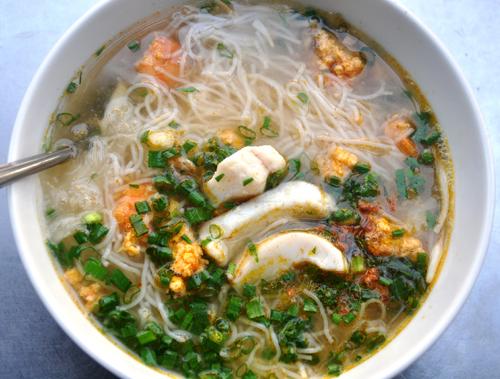 5 món ăn ngon bạn đừng bỏ qua trong khu chợ Vườn Chuối