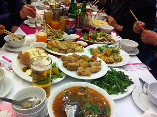 Đắt khách dịch vụ đặt tiệc cưới tại Hà Nội 6